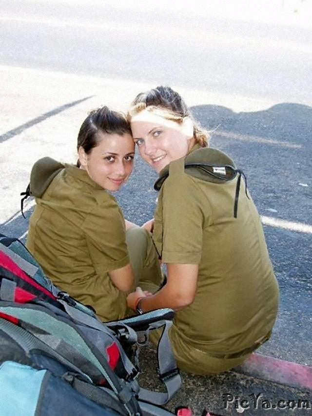 Beautiful female soldiers from Israel - 35