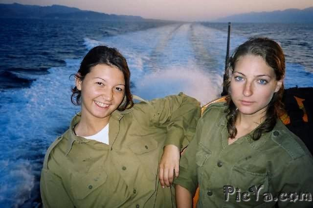 Beautiful female soldiers from Israel - 40