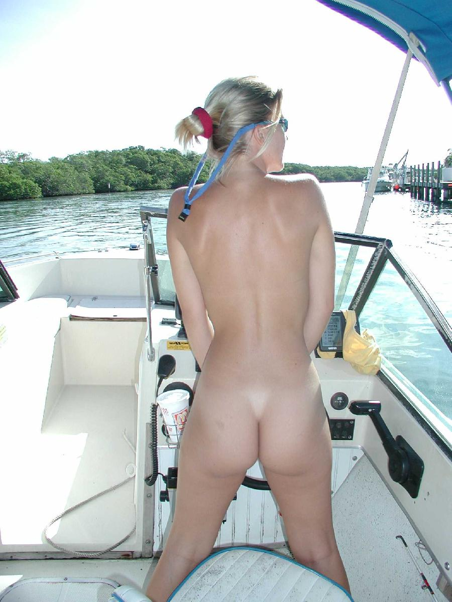 Sexy blonde and her holiday on boat - 3
