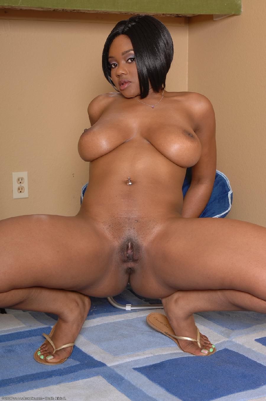 Black girl with firm ass - 12